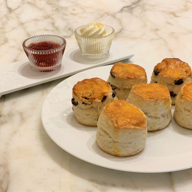PLAIN SCONES WITH CLOTTED CREAM AND HOME-MADE ROSE PETAL JAM