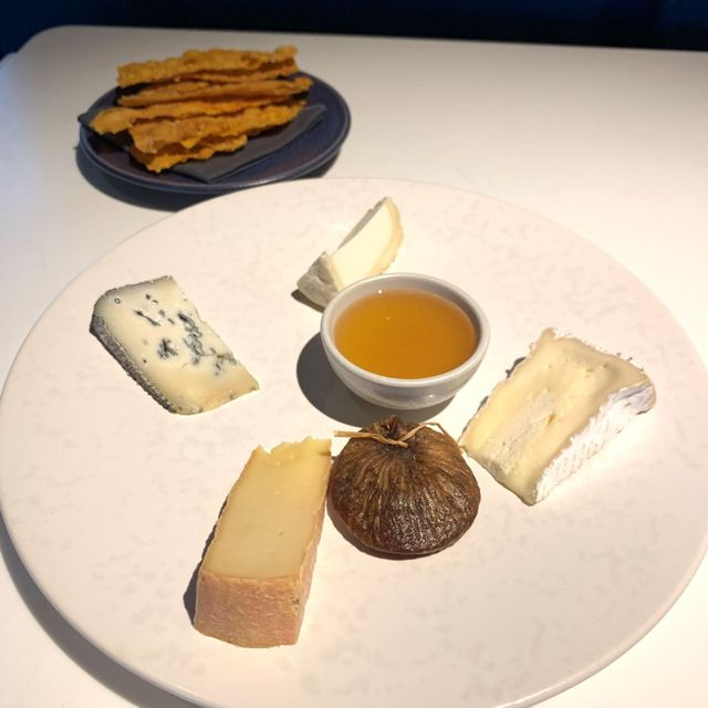 CHEESE PLATTER by Frères Marchand